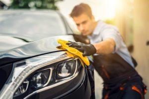 Auto polieren - Fahrzeugaufbereitung
